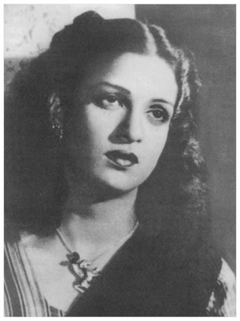 kamini kaushal daughter